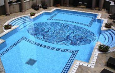 Богатство мозаики для декоративной отделки – начиная с причудливой геометрии, заканчивая настоящими художественными произведениями